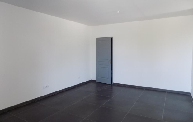 HELLO LOC : Appartement | BAGNOLS-SUR-CEZE (30200) | 39 m2 | 490 €