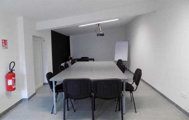 HELLO LOC Office | BAGNOLS-SUR-CEZE (30200) | 30 m2 | 0 €